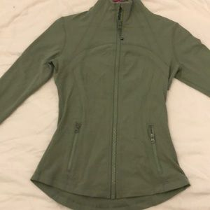 Lululemon define jacket size 6!